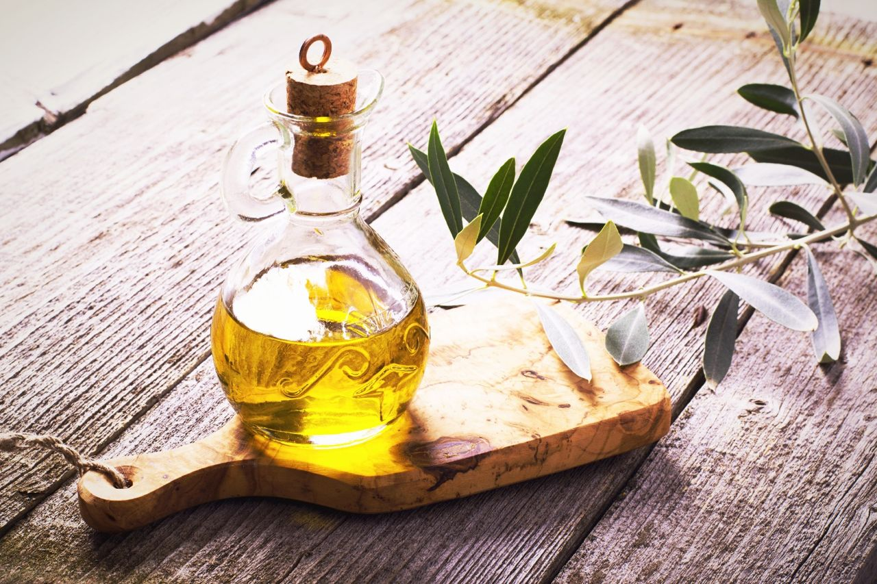 Extra virgin olive oil olive branch - olio extravergine oliva ramo ulivo - Gustorotondo - Italian food boutique