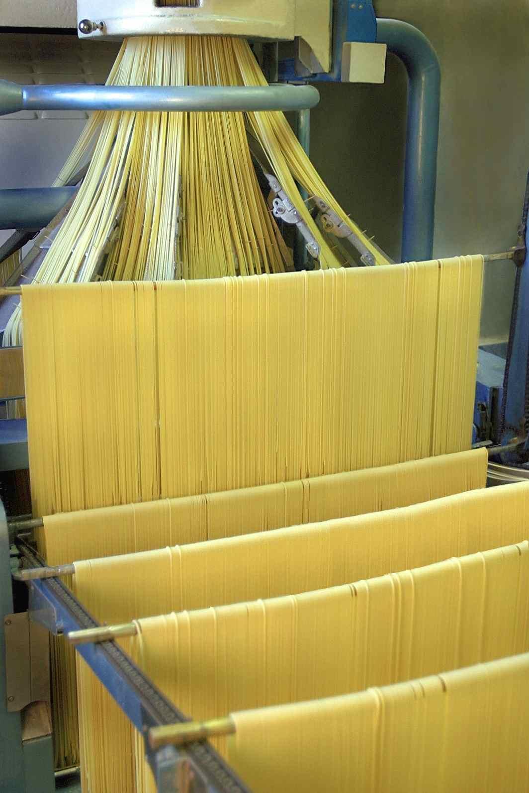 spaghettoni-benedetto-cavalieri-produzione-production