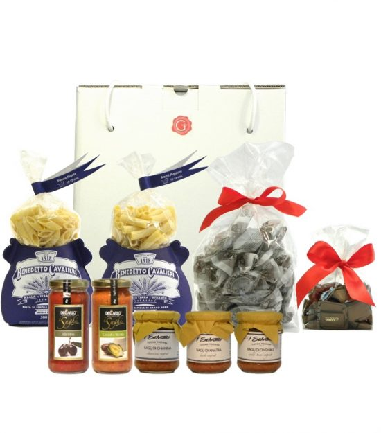 Confezione regalo pasta gianduiotti amaretti sughi – dulcis in fundo- Gift Box pasta sauces gianduia sauces – Gustorotondo – Italian food boutique
