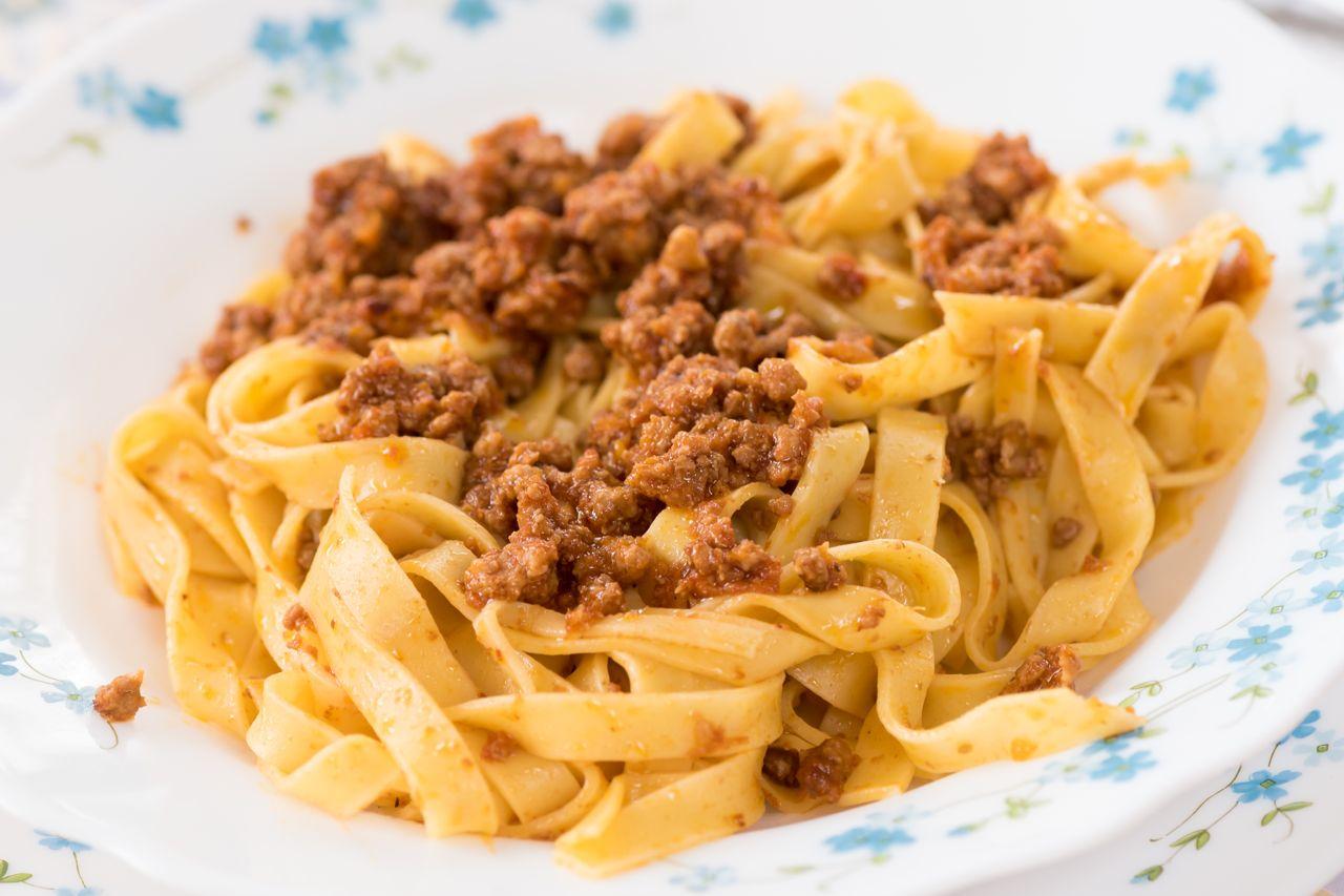 Pasta Spaghetti ragù bolognese - Gustorotondo - Italian Food Boutique