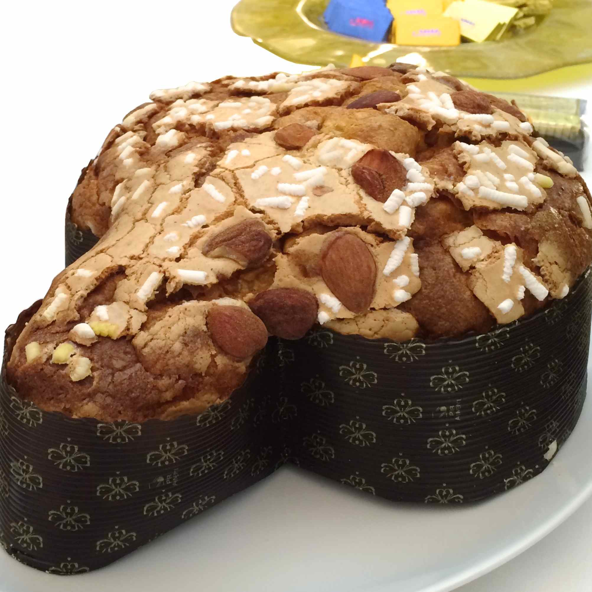 Colomba di Pasqua – Dove-shaped Easter cake – Gustorotondo – Italian Food Boutique