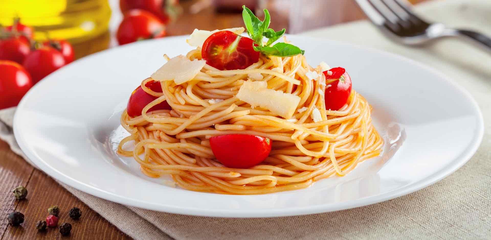 pasta pomodoro basilico - pasta tomatoes basil - Gustorotondo Italian food boutique - I migliori cibi online - Best Italian food online